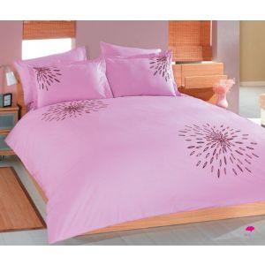 طقم سرير جوا  مطرز بلون  روز   مقاس  كبير  صناعة تركية  وديزين  عصرى  مميز  100% قطن